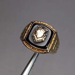 歐洲迴流 維多利亞時代紀念款 10k金古董戒指 工藝考究 款式獨一無二 每一件都有特殊的紀念意義 中性款 重6.6克.內徑17.3毫米14X10毫米