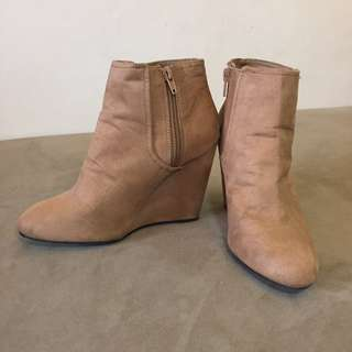Authentic Forever 21 Suede Wedge Boots- Size 5.5