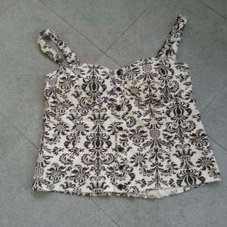 BLACK FLORAL ON WHITE TOP