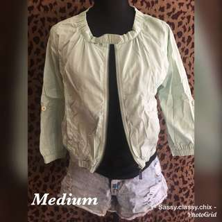 Green khaki jacket_ still in good condition