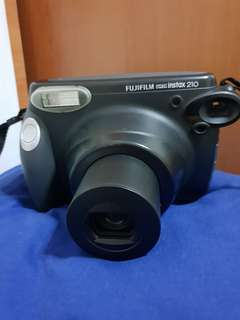 Instax 210 with Box & Close Up Lens
