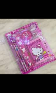 Hello kitty wallet set- goodies bag, goody bag packages