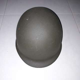 1 x new and unused green army metal helmet with free delivery