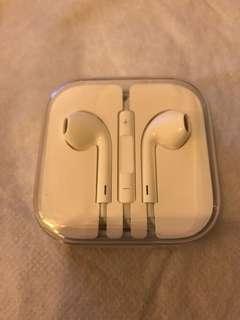 Apple original EarPods - round plug