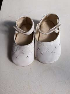 White Soft-sole Shoes