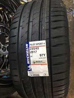 235/45/17 Pilot Sport 4 Michelin Tyre