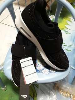 鞋子 38號