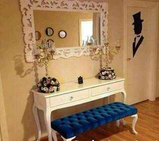 1 set meja console dgn cermin jumbo dan sofa