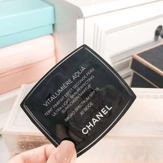 Chanel Vitalumiere Aqua Ultra Light Skin Perfecting Sunscreen Makeup • Broad Sprctrum SPF 15 • 30 Beige