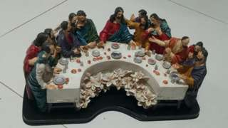 Jesus last supper statue