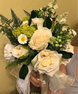 白色花球連襟花