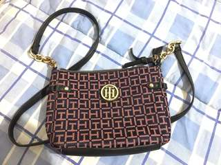 Tommy Hilfiger sling bag