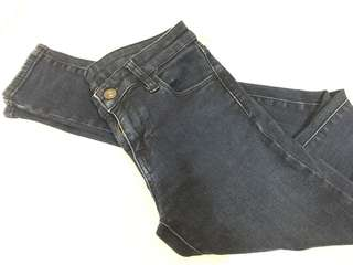 🚚 Uniqlo 牛仔褲