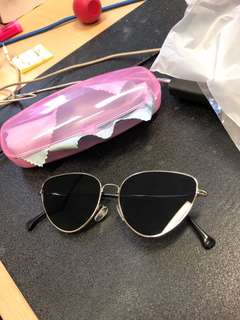 Vintage sunglasses (with case)