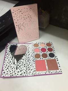 Kylie Jenner Eyeshadow I Want It All 11 Colour Diary