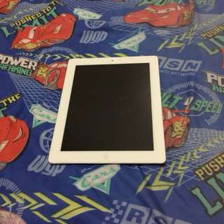 Apple iPad 2 16GB wifi only comes w/Bluetooth keyboard case