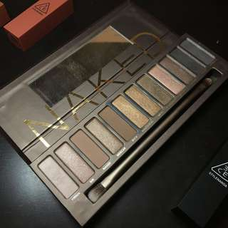 NAKED 1 Urban Decay Eyeshadow Palette + Brush