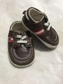 Izod infant shoes