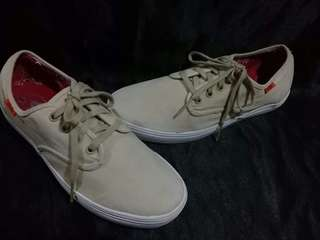 ORIG VANS  9/10  SZ US 37WOMEN SIZE  NO ISSUE