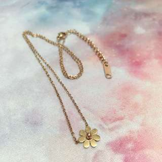 Daisy necklace ( rose gold )
