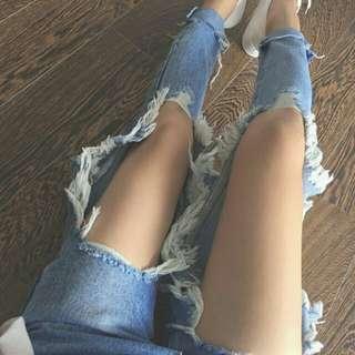 🚚 大刷破淺藍色牛仔褲