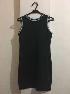 Bodycon black dress