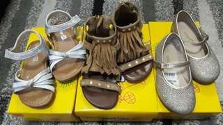 Smartfit Sandals and Shoes Take all for 700.00