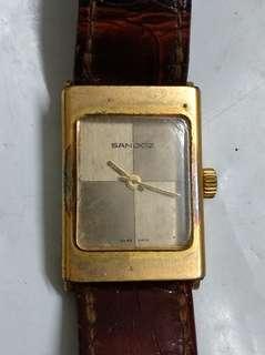 女装電子錶,吾行.