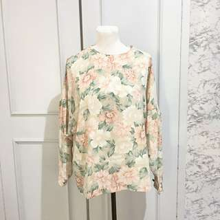 Floral Carnation Oversized Pullovers Fits up to L