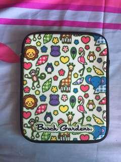Busch Gardens Kids Cartoon Animals iPad Cover (US Bought)