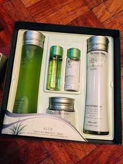 Jant Blanc Aloe Essential Skin Care Set