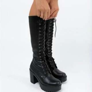 LOOKING TO HIRE Roc Lash Boots