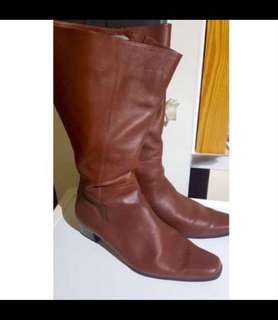 United kingdoms UK Genuine Leather Brown Curvy Knee High boots Riding Hunting Style 英國 真皮 牛皮 啡色 長靴 皮鞋  皮靴 靴 鞋 打獵 大碼 大碼鞋 Biker ankle long over knee short 型 Ox hide winter autumn 秋冬 秋天 冬天 秋季 冬季 Extra cool stylish simple 簡約 minimalism trendy Plus Size 高筒 歐洲