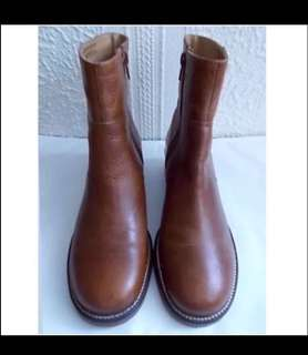 United kingdoms UK Tan brown Genuine Leather Ankle boots 英國 真皮 牛皮 棕色 啡色 紅色 短靴 皮鞋 長靴 皮靴 靴 鞋 ankle long short boots boot 型 chestnut Ox hide 咖啡色 winter autumn 秋冬 秋天 冬天 秋季 冬季 cool stylish sleek simple 簡約 minimalism urban chic trendy