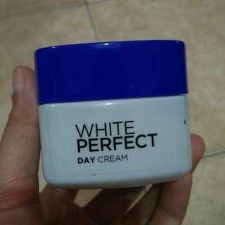 Loreal White Perfect Day Cream