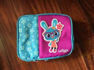 Auth Smiggle Lunchbox Blue Rabbit & Stars colors Blue & Pink