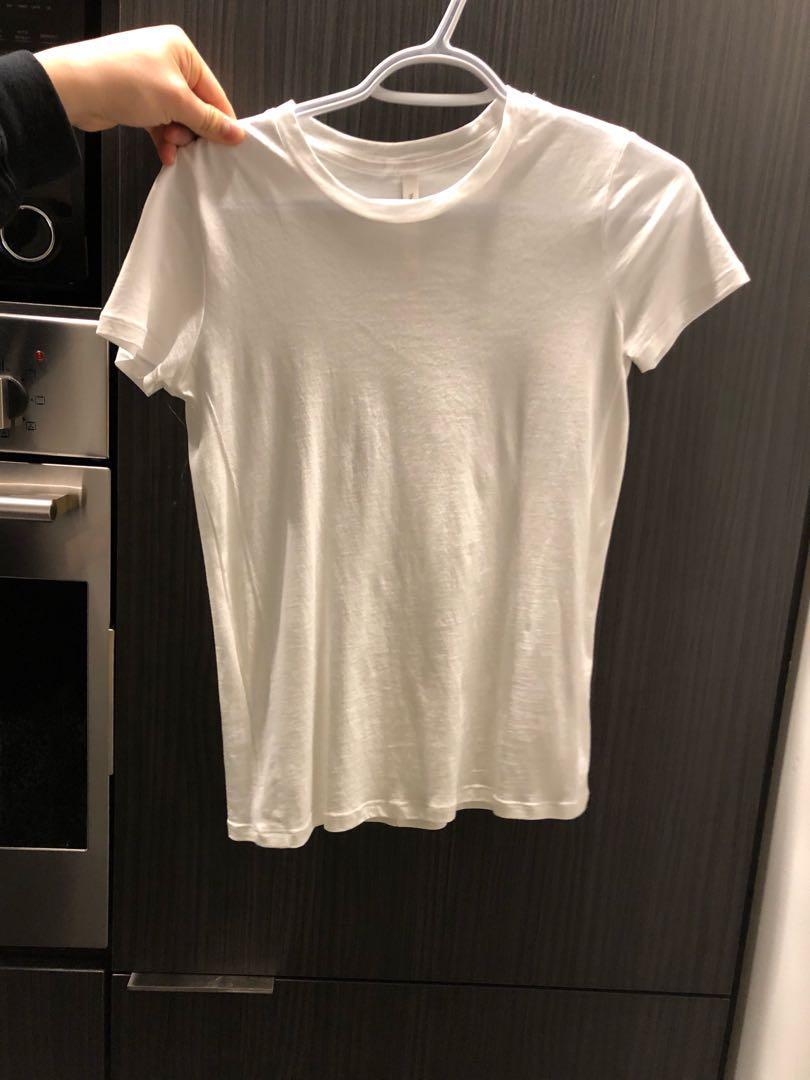 Aritzia White T shirt