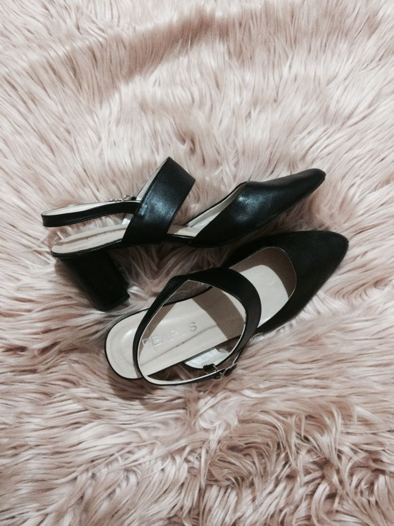 Black Pointed / Pointy Block Heels / Heels Tahu