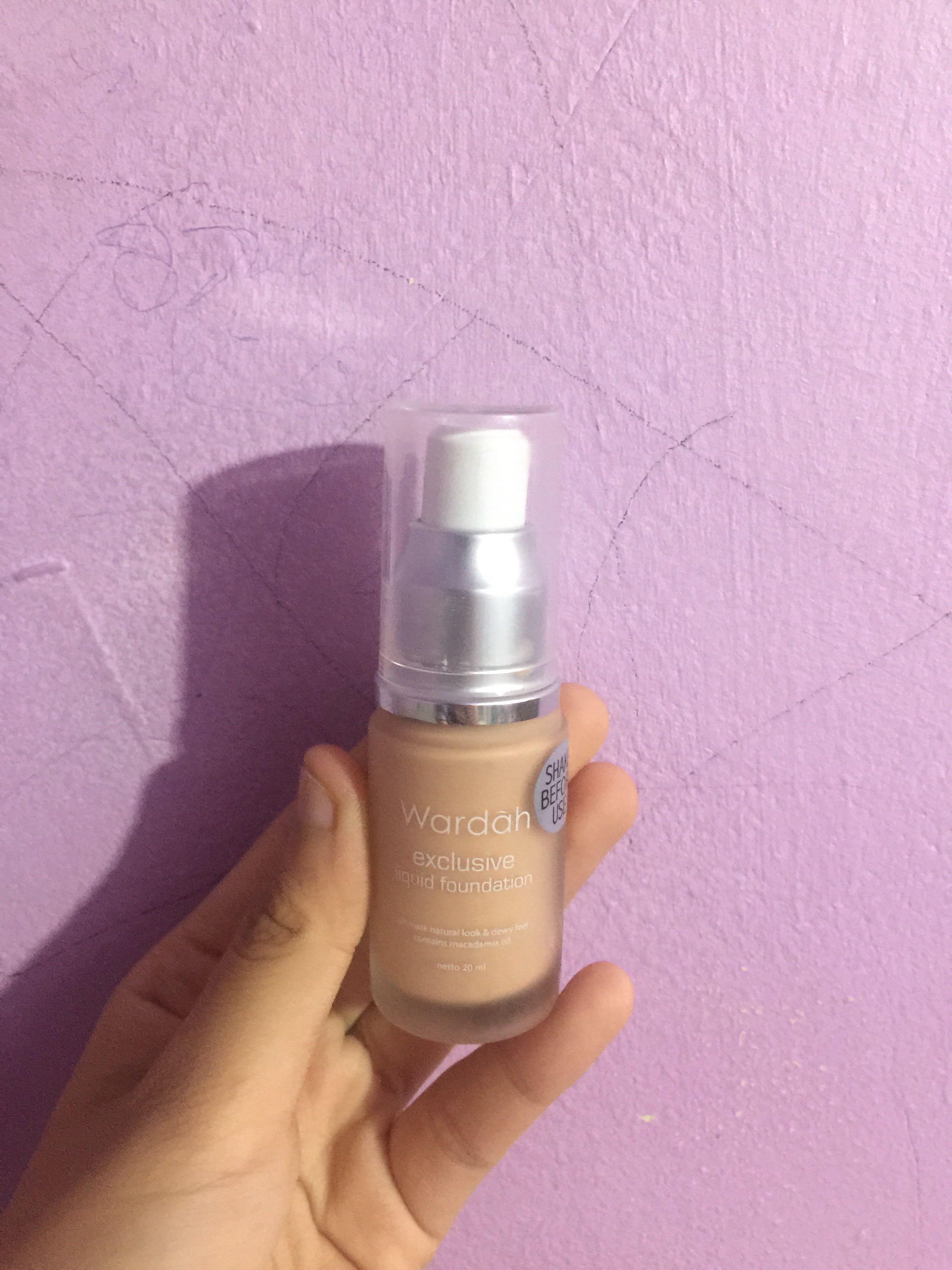 Foundation Wardah Exclusive Liquid Foundation 03 Sandy Beige Preloved, Health & Beauty, Makeup on Carousell