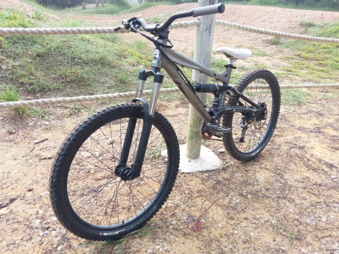 61008c3953b Haro Extreme X6 26er Full Suspension MTB, Bicycles & PMDs, Bicycles on  Carousell