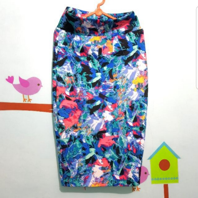 Mds skirt flower or abstract
