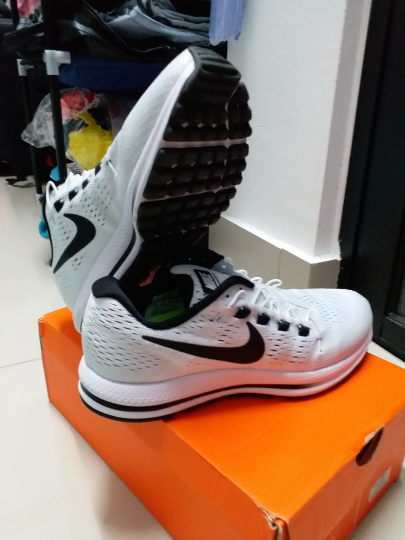 cb064532f4707 Nike air zoom vomero 12 (100% authentic)