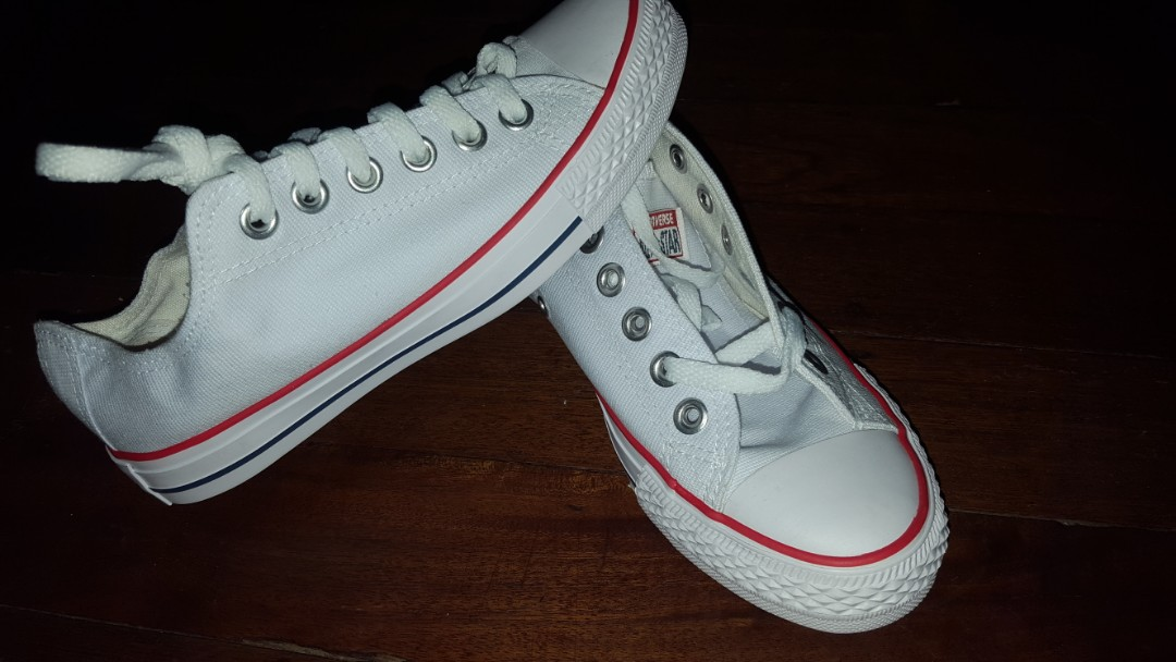 b0f38bbba20 Unisex converse shoes