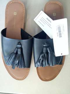 Penshoppe Ladies Synthetic Sandal with Tassel