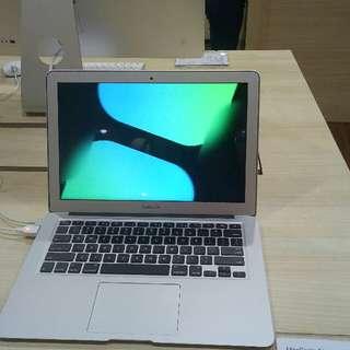"""Bunga 0,99% Macbook Air 13"""" 256GB cicilan tanpa kartu kredit"""