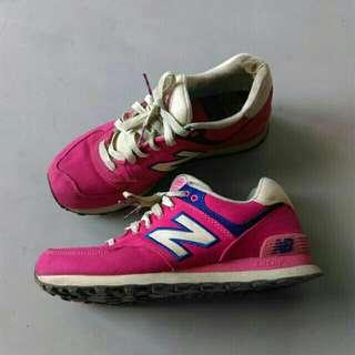 🚚 Newbalance   正版 574 八成新 Alice 微笑貓 桃紅 紫 配色 運動鞋 跑鞋 正品 new balance NB