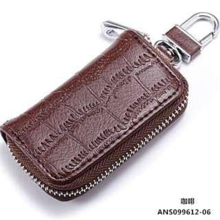 🚚 【TenBow】大方個性風鱷魚皮紋牛皮汽車鑰匙包 真皮簡約風拉鍊質感厚實機車鑰匙套 皮革現貨-C1040269
