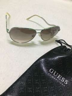 Guess aviator