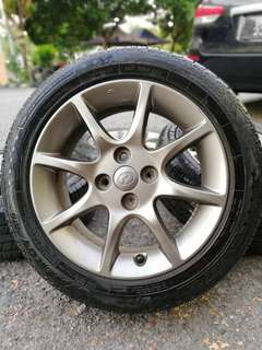 Original sports rim alza advance 15 inch tyre 95%. Hot hot gitlooo !!