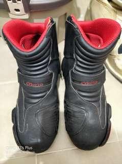 Astar low cut boots